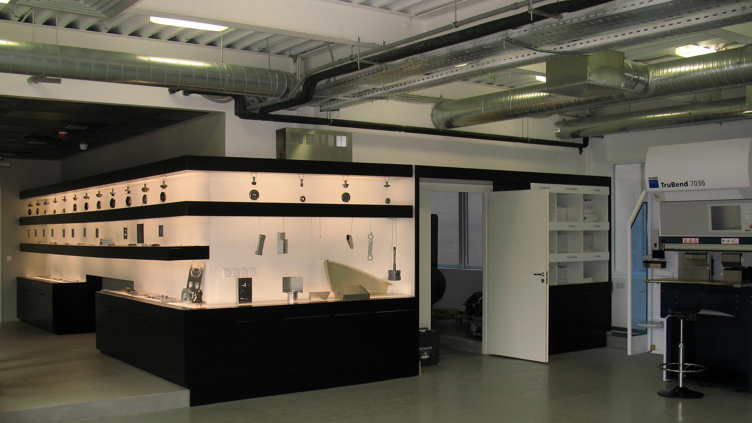 4 bilak trumpf showroom2010 1
